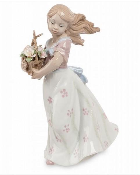 Фарфоровая статуэтка «Девочка с корзиной цветов»