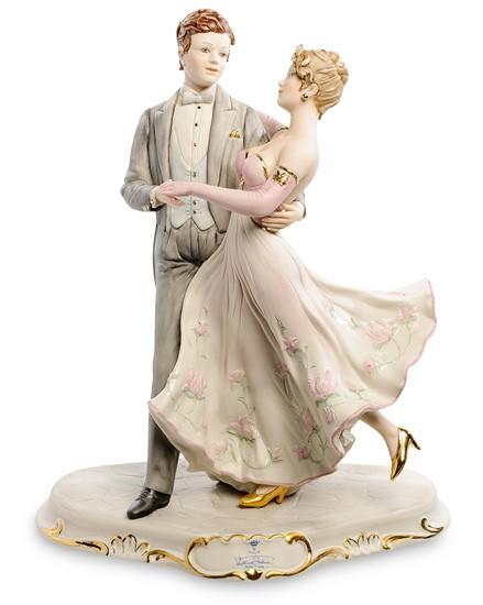 Фарфоровая статуэтка «Танцующая пара»