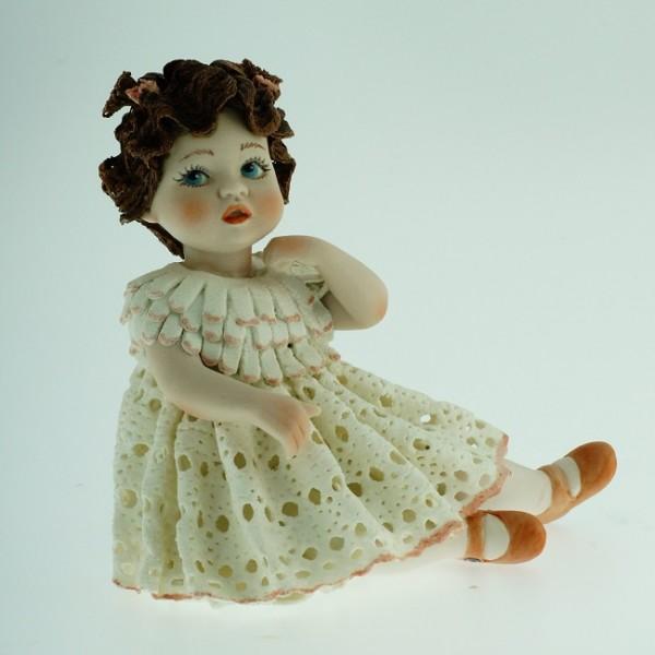 Фарфоровая кукла «Trilly» Sibania