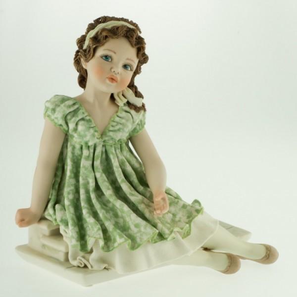 Фарфоровая кукла «Federica» Sibania