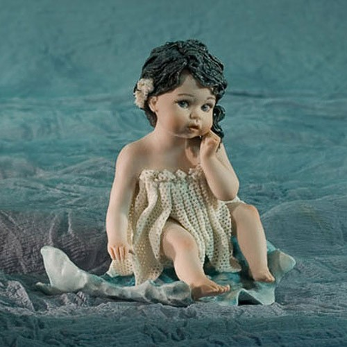Фарфоровая статуэтка «Виола»