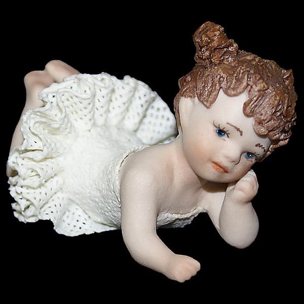 Фарфоровая кукла «Маленькая балерина лежит»