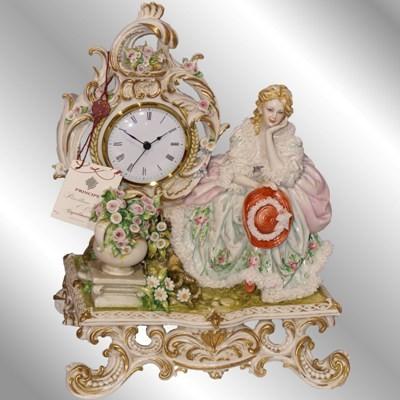 Часы «Дама на скамье»