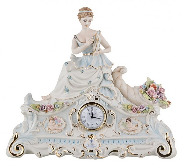 Фарфоровые часы  «Дама»