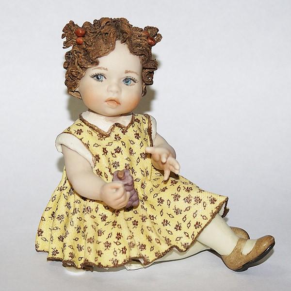 Фарфоровая кукла «Ванесса»
