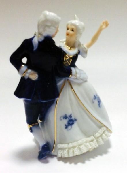 Фарфоровая музыкальная статуэтка «Танец»